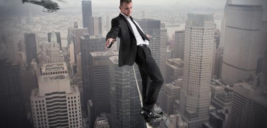 「リスクを負わないのがリスク」と「ヤドカリ」の話のイメージ画像